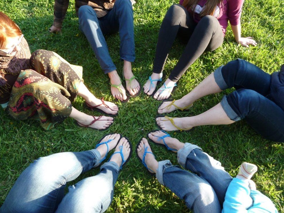 Barefoot sandály zworkshopu kruh nohou