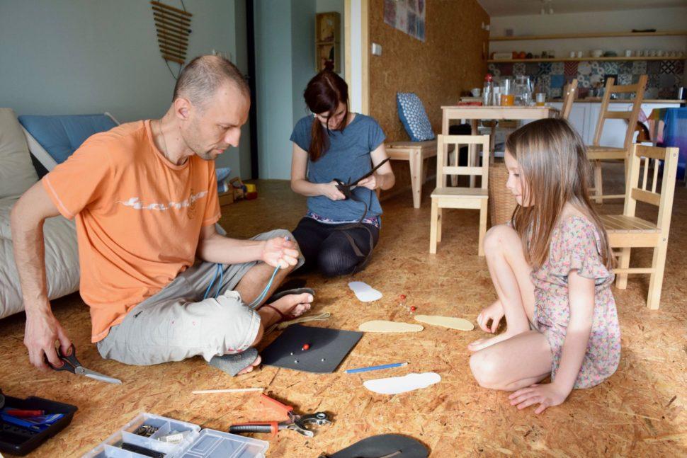 Happy Sandals workshop výroba sandálů sdětmi Zlín